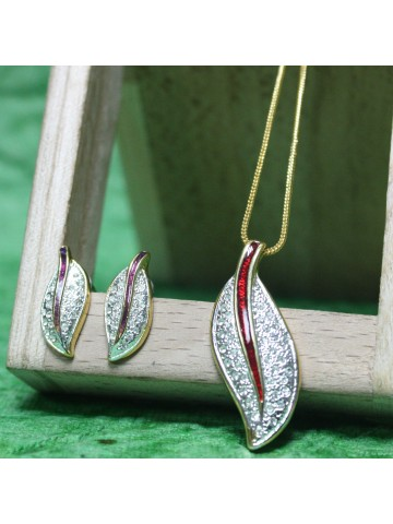 http://static.cilory.com/12532-thickbox_default/estelle-women-girls-pendants-white-gold.jpg